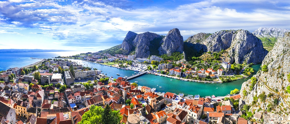 Croatia - impressive Omis town surrounded with gorges, over Cetina river